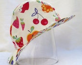 Reversible summerhat with fruit and berries for girls, summerhat, 52 cm.