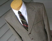 RESERVED...vintage c. 1980 Men's Sport Coat. Tri-color houndstooth. Wool tweed in the British tradition. Custom tailored 42 Regular