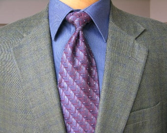newer vintage Men's Sportcoat. Wool - Silk blend window pane plaid. A great jacket for Spring & Summer. 43 - 44  Reg