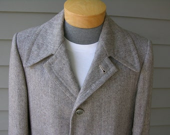 vintage 1950's Men's Heavy wool Overcoat. Custom tailored in Korea. Herringbone with color flecks. Small - Long