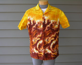 vintage 60's - 70's Men's Hawaiian shirt. Perfect wave - Endless summer. Makaha Pipeline. Large - Extra Large