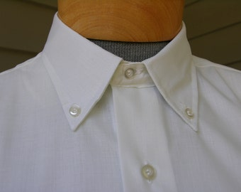1960's 'New Old Stock' Men's button down short sleeve shirt. -Fruit of the Loom- in super Pale Yellow. Medium - Large