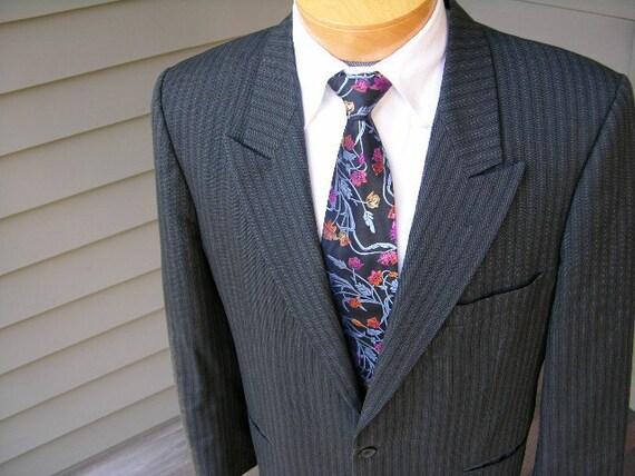 vintage Yves Saint Laurent Men's SB sportcoat. Pinstripe with peaked lapel. Size 38 - 40 Regular. France