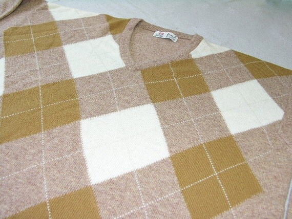 vintage 1970's -1980's - Pringle of Scotland- Men's V-neck pullover sweater. Like 'NEW.' Big Argyle in Lambswool. Extra Large XL