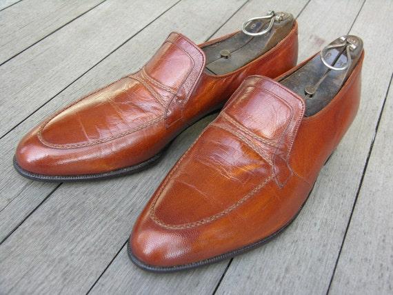 vintage 60's - 70's Men's Florsheim shoes. 'New Old Stock'. Slip-on Blucher in Chestnut leather. Size 9 1/2 C