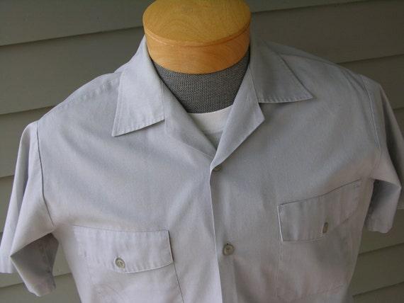 vintage 50's - 60's Men's short sleeve uniform shirt. Delivery / Mechanic / Service Industry. Dove Gray. Worked & worn. Medium