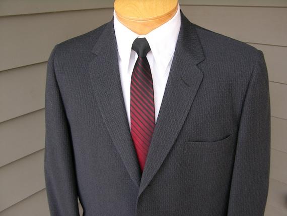 vintage 1950's Men's 2 piece suit. Gray - Narrow lapel. Very Unusual fabric. Drop loop pants. Size 40 Long