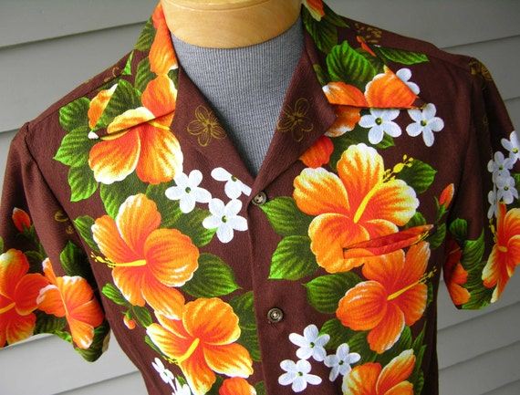 vintage 1960's Men's Hawaiian shirt.  Loud & Proud floral print on Barkcloth. Pristine condition. small Medium