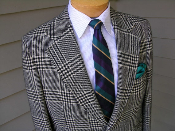 vintage 1970's JUDD B & W plaid sportcoat. All Cashmere. Bold and Beautiful Power jacket. Size 42 Regular