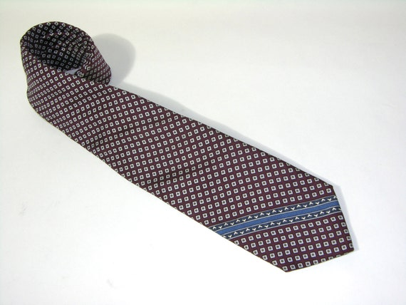 RESERVED for Gracecostume...vintage late 1960's Neiman-Marcus Men's neck tie. Diamond print Foulard Silk. Awesome...Perfect width.