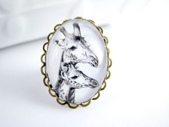 Giraffes Ring - Antique Brass Double Lace Edge