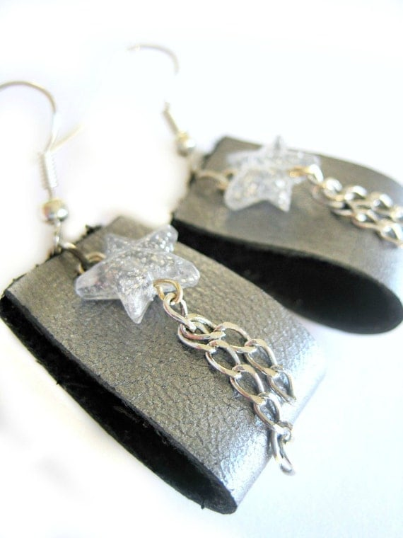 Silver earrings - Leather earrings - Leather loops, STARS, glitter stars, dangling chains - superstar earrings