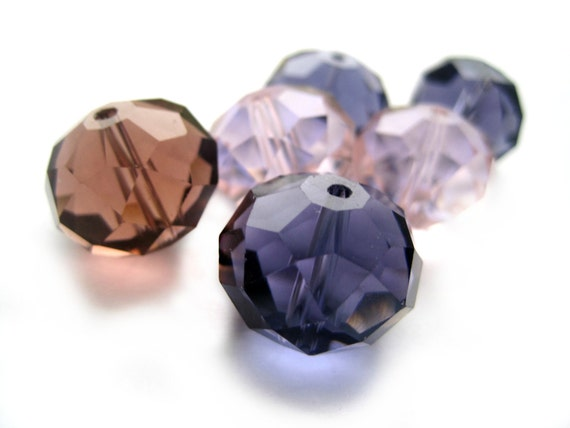 Big multi-faceted glass beads - Purples and pinks - Gorgeous 2 cm diamonds, very shiny