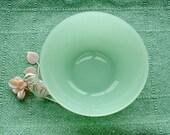 Jadeite Glass Large Serving Bowl.  Jadite or Jadeite Green . Vintage. USA