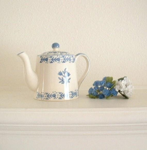 English Teapot. Spongeware Stenciled. Staffordshire, Chelsea, Moorland. Periwinkle or Cornflower Blue & Ivory. Fully marked