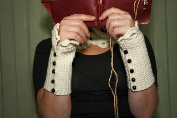 Wrist Warmers. Jane Eyre. Ivory.