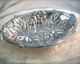 vintage Silver serving platter  with grape & grape leaf design, aluminum plate, aluminum serving platter