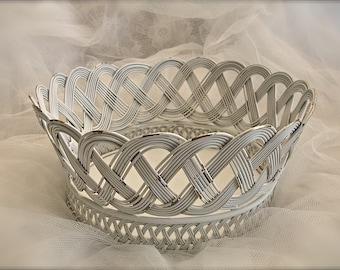 WHITE wire basket, wire ornament basket, wire craft basket, shabby chic metal basket
