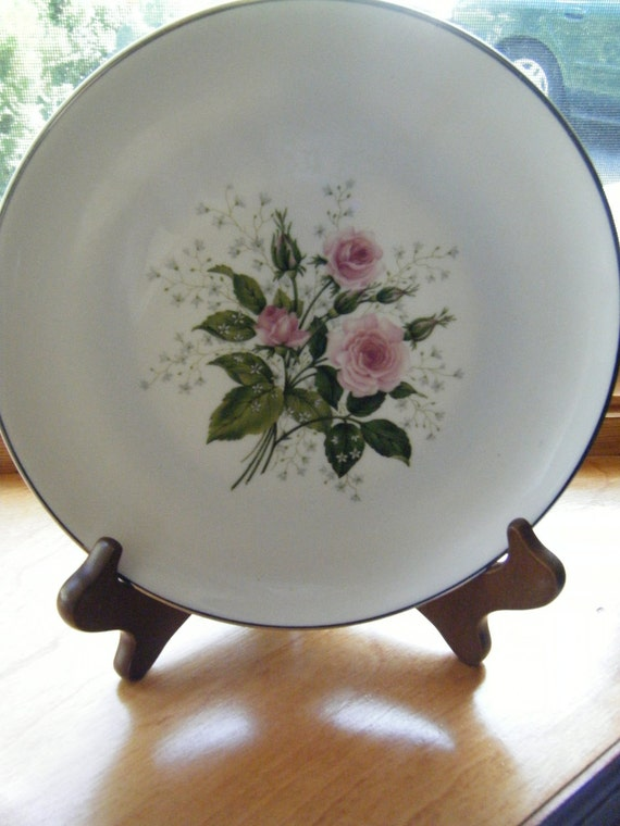 Rose Bone China Vintage Plate in Excellent Condition, Marked Embassy Rose