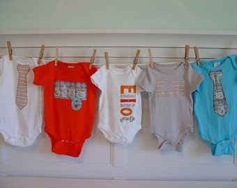 Boys Personalized Onesie Set, Perfect for Baby Shower Gift or Decoration - Gray and Orange, Bugs