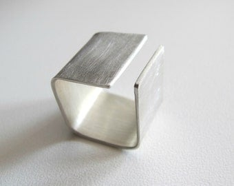 Silver geometric ring - Square - wide band ring -  modern -  simple - elegant -