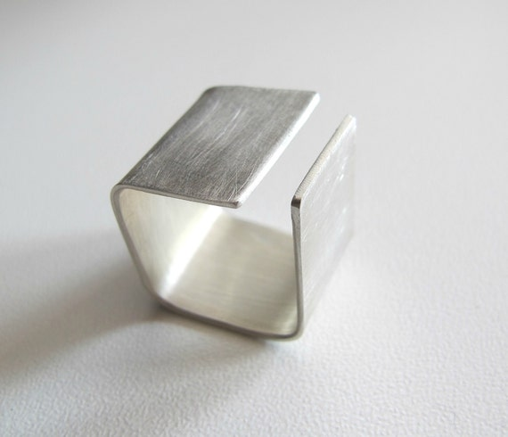 Silver ring - Square - wide band ring -  modern -  simple - elegant - geometric silver ring