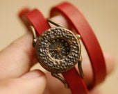 Woman Handcraft Watch. Handstitch Leather Band /// Pollen - Perfect Gift for Birthday and Anniversary