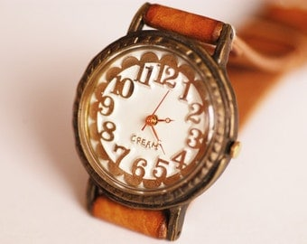 Vintage Handcraft Wrist Watch with Handstitch Leather Band /// Liña - - Perfect Gift for Birthday, Anniversary