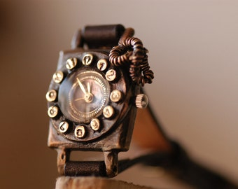 Vintage Retro Steampunk Handcraft Wrist Watch with Handstitch Leather Band /// Ringring - Perfect Gift for Birthday and Anniversary
