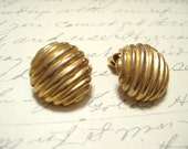 Giovanni Gold Clip On Earrings