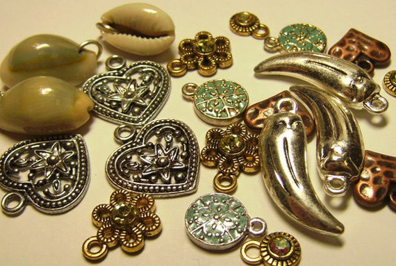 21 Heart Seashell Flower Rhinestone Charms Mixed Lot