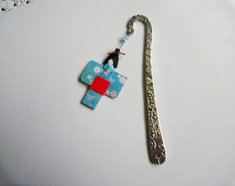 Origami Bookmark with little japanese girl in blue and red colors