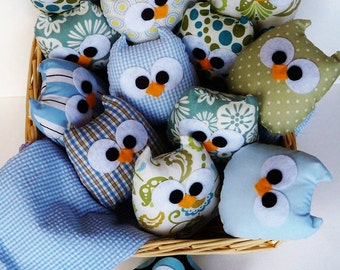 9 lovely blue owls or you can choose any color you want