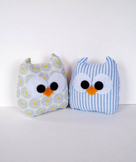 2 polka dots and striped blue mini owls