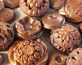 50 Edible Chocolate Buttons: Burnt Copper Glimmer Patina