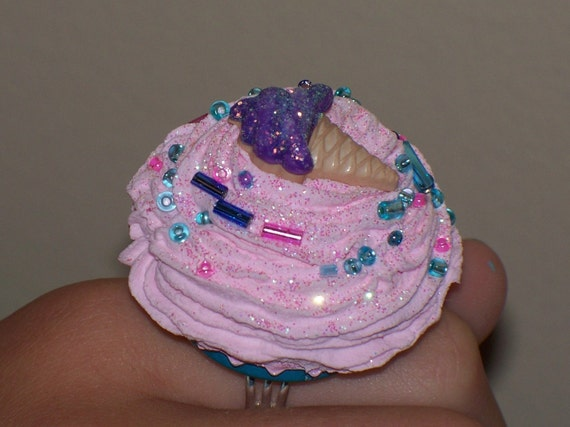 katy perry inspired bottlecap cupcake ring by