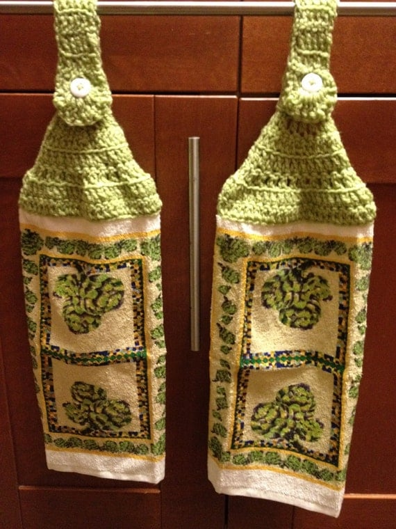Hanging Dishcloth / Hand Towel Set with Artichoke Design and Green Top