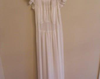 Vintage Cream Lace Gown Elegant