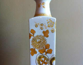 Lamp Hollywood Regency style painted Chinoiserie floral Yellow Gold
