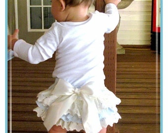 Girls babies Ruffled bloomers Baby Blue Custom Toddlers Vanilla Sky Custom 0-3 mos,3-6 mo, 6-9mo , 9-12 mo,18 mo 24 mo
