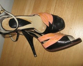 Vintage 1950s Sex Pot Black with Salmon Glitter Stilletto Pumps size 7 Metal tip heelid