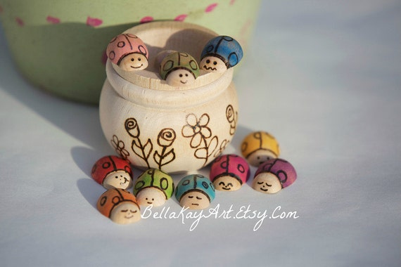 Lady Bugs in A Wooden Jar / Natural Toy / Counting / Colorful Summertime Activity