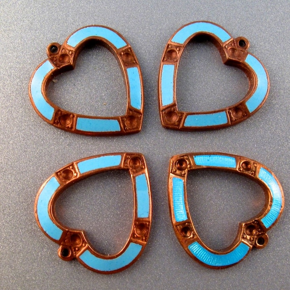 4 VINTAGE ENAMEL blue Heart  findings 19mm Glass and  Copper Pendant  for your assemblage N0.001006