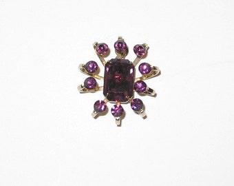Sparkling Vintage Pendant with Purple Rhinestones