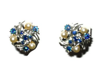Wonderful Rich Blue LISNER Vintage Earrings with Pearl Accents