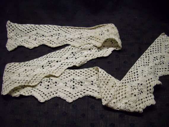 Vintage Hand-Crocheted Trim - 1 yard