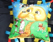 Tag Pillow - Mother Goose - Hey Diddle Diddle