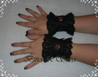 Cuff S-Ruffled Black-Lolita-Steampunk-Burlesque-Gothic Lolita-Victorian-Edwardian-Pirate-Circus-Cabaret