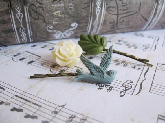 Bobby pin set of 3 in antique bronze - Creamy rose, blue grey swallow bird and green leaf