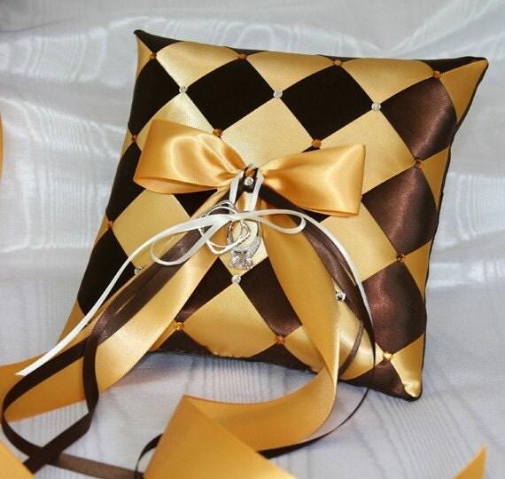 подушки из атласных лент